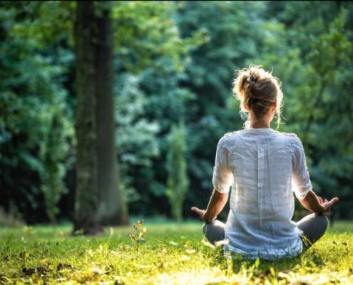 Golisan Gesundheit Meditation draußen